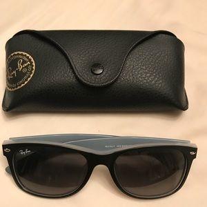 Ray Ban Wayfarer NEW Sunglasses!